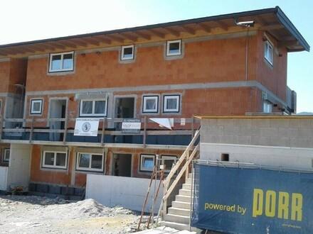 ERSTBEZUG NEUBAU 3 Zi.- Balkonwohnung in sonniger Lage mit herrlicher Aussicht in die umliegende Bergwelt