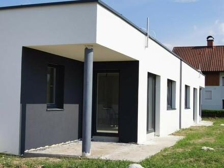 BUNGALOW-Doppelwohnhaus nähe Braunau! Eine Haushälfte noch FREI