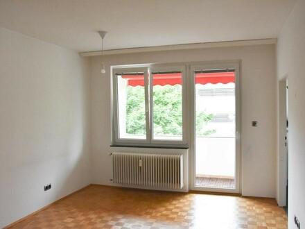 Traumhafte 3 Zi.- Wohnung mit Loggia in Top Lage!
