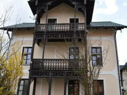 Mehrfamilienhaus mit 3 Wohnungen und einem Zuhäusl!