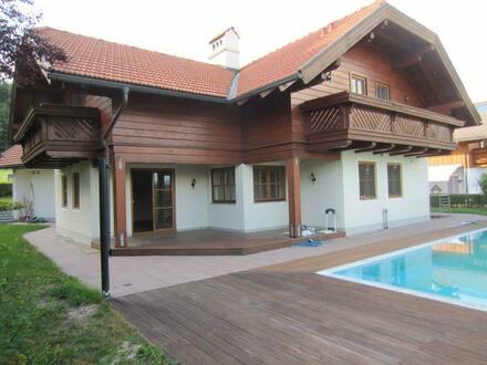 Exklusives Haus mit Pool und Gebirgsblick