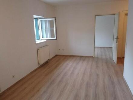 2 Zimmer Whg in zentraler Lage!