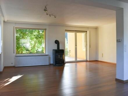 Familienhit: großzügige 4 Zi.- Wohnung mit Terrasse und Garten