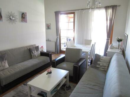 Schöne 3 Zi Wohnung mit Balkon
