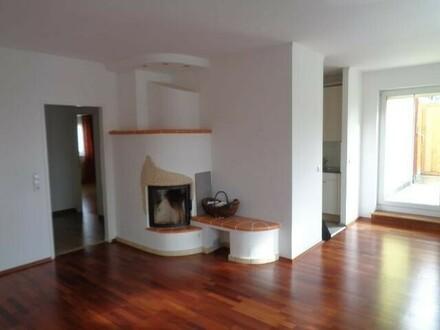 TOP Wohnung mit großer Terrasse und Garagenplatz