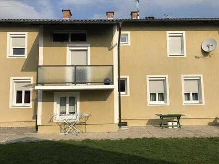 Ein- bis Zweifamilienhaus mit 3 Garagen