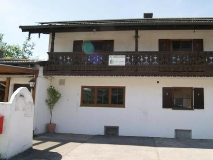 Einfamilienhaus mit großen Anbau (gewerblich genutzt, Caffe/Gaststätte)