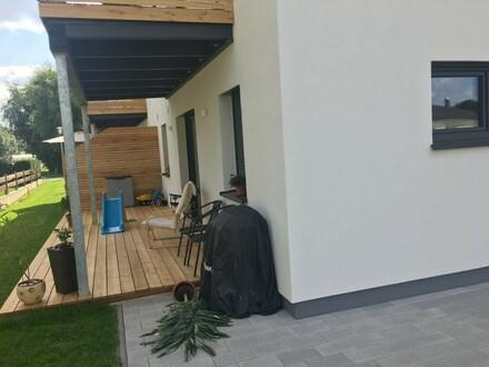3-Zimmer EG-Wohnung mit sonniger Terrasse