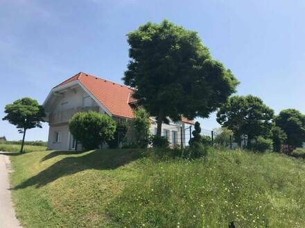 Großzügiges Einfamilienhaus in schöner, ruhiger Aussichtslage
