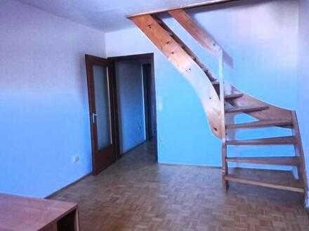 Dachgeschosswohnung 2 Zimmer im Zentum von Hallein