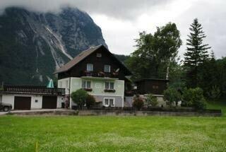 Einfamilienhaus mit Bergpanorama