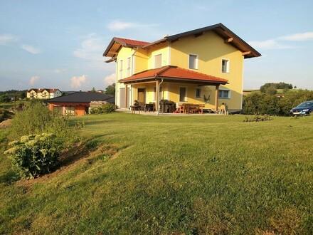 Neuwertiges Wohnhaus sehr schön ausgestattet nähe Passau !!