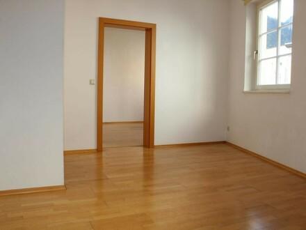 Zentrale 2 Zimmer Wohnung - auch WG geeignet!