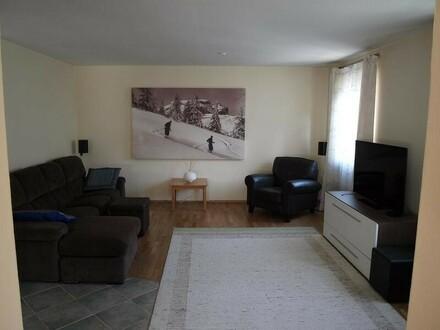 Wohnhaus mit Garage zu verkaufen !!
