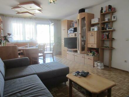 Helle 4 Zi.- Wohnung mit Balkon