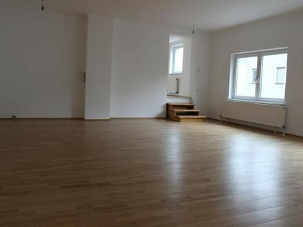 Exkl. individuell gestaltbare 3 Zimmer Wohnung mit Garten