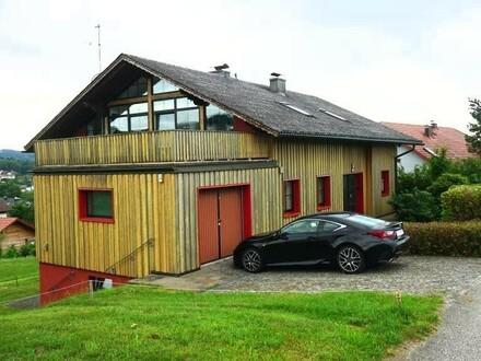 TOP ANGEBOT / Sehr großzügiges Mehrfamilienhaus in gutem Zustand mit vielen Möglichkeiten