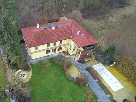Einzigartiges Anwesen in toskanischem Stil / Zur 3 D Besichtigung folgen Sie dem Link