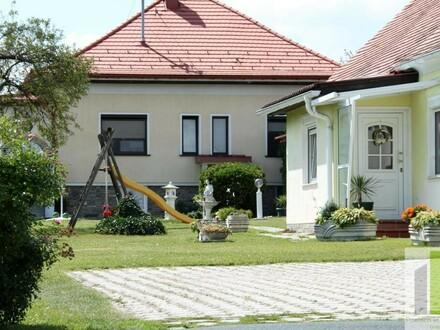 NEUER PREIS!! 2 Landhäuser mit großem Garten mit vielseitiger Verwendung!