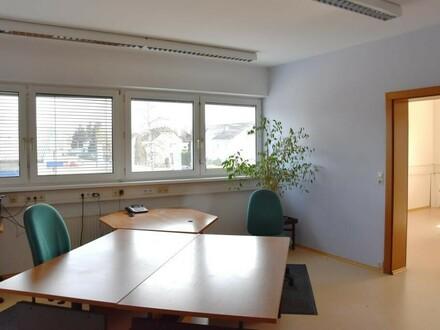Attraktive Büroräume mit Lagermöglichkeiten in Salzburg nähe Bergheim