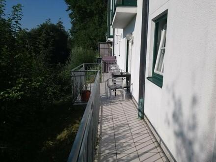 Schöne 2 Zi. Wohnung mit Terrasse