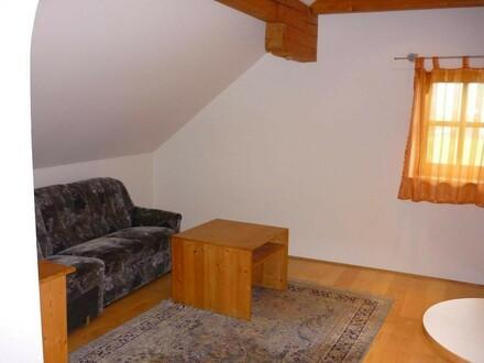 2 Zimmer Dachgeschoss Wohnung
