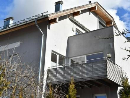 Exklusive 2 Zi. Wohnung mit Balkon und PKW Stellplatz