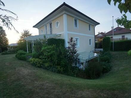 Einzigartige Villa mit Einliegerwohnung auf großzügigem Grundstück / Zur 3 D Besichtigung LINK folgen