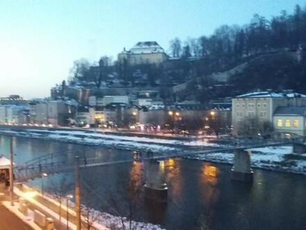 Geräumige 4 Zimmer Altstadtwohnung mit Parkplatz in sehr zentraler Lage Nähe Mozartsteg