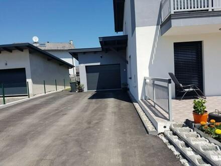 Neuwertige & geräumige Doppelhaushälfte in toller Siedlungslage