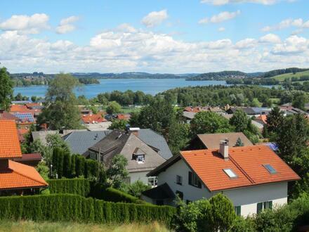 Neuwertige 4 Zi.-Wohnung mit traumhaften Blick auf Obertrum und über den See