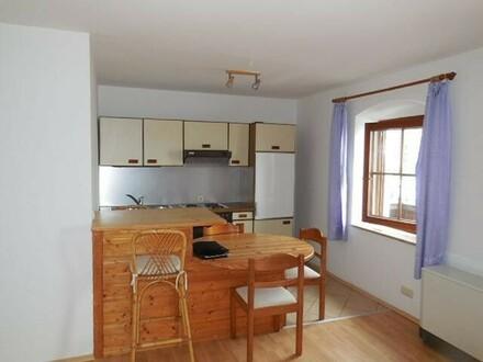 1 Zimmer Wohnung mit Balkon und Garage