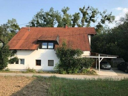 Ein- od. Zweifamilienhaus mit kleinem Friseursalon/Büro in ruhiger Lage