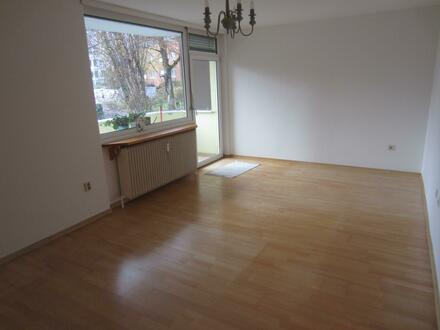 Schöne 2 Zi.-Wohnung mit Balkon