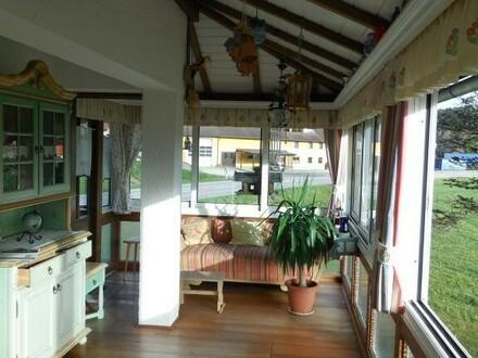 Haus mit Garten, Garage und Werkstatt