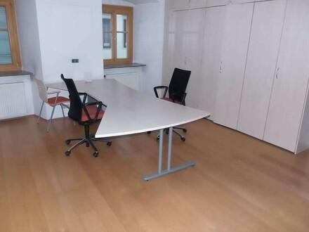 Praxis - Büro - Seminarräume