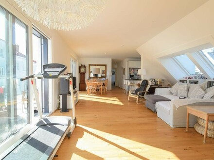 Traumhafte 4 Zimmer Terrassenwohnung mit Blick auf der Alten Donau // Dreamful 4 room terrace-apartment with view on the…