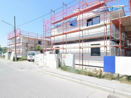Wertvolle, Stillvolle Doppelhaushälfte am oberen Mühlwasser Provisionsfrei f. Käufer / Valuable, stylish Semi-detached house…