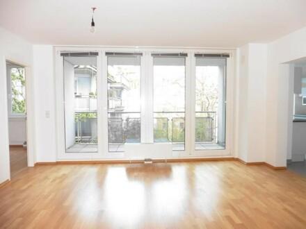 Wohnzimmer, großes Fenster