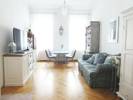 Top-sanierte 2-Zimmer-Altbauwohnung mit 10m² hofseitiger Loggia
