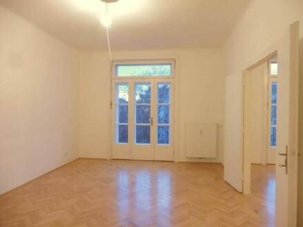 Am Modenapark mit Grünblick! Top-sanierte 5 Zimmer Altbauwohnung!!! UNBEFRISTET!