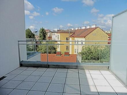 Top-moderne DG-Wohnung mit Terrasse und idealer Infrastruktur