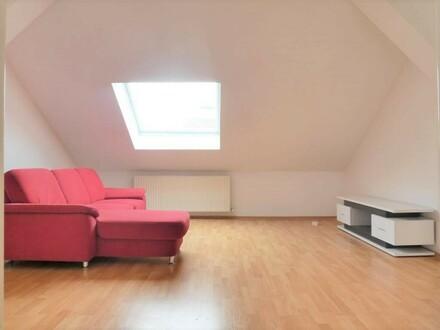 Schöne 2-Zimmer-DG-Wohnung