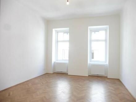 schöne, große Zimmer