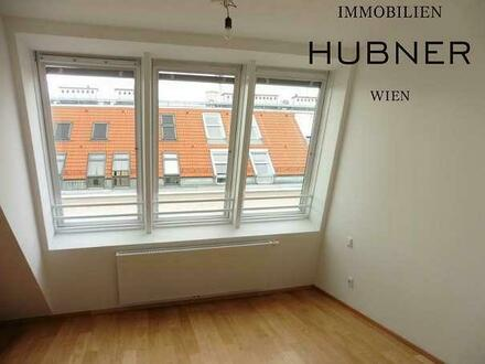 TOP-moderne DG-Wohnung mit West-Terrasse in U-Bahn-Nähe!!