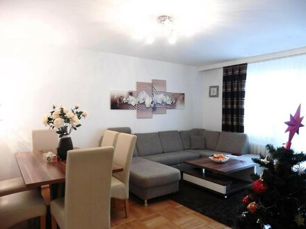 Schöne, freundliche 3-Zimmer-Wohnung mit großer Loggia