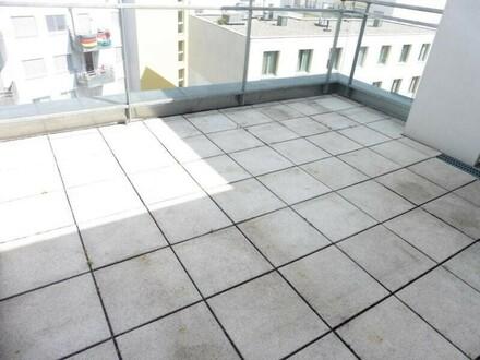 Ruhige und moderne Dachterrassen-Wohnung