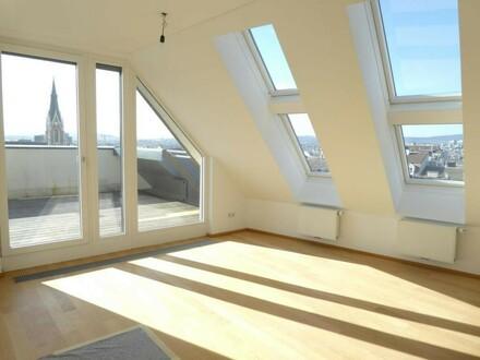 Wohnzimmer, Blick zur Terrasse