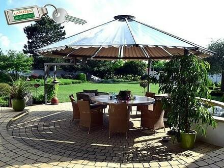 440 m² Wohnfläche - 650 m² Nutzfläche und parkähnlicher Garten!!!