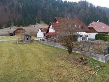 Ebenes Grundstück in schöner Siedlungslage in Steyrling